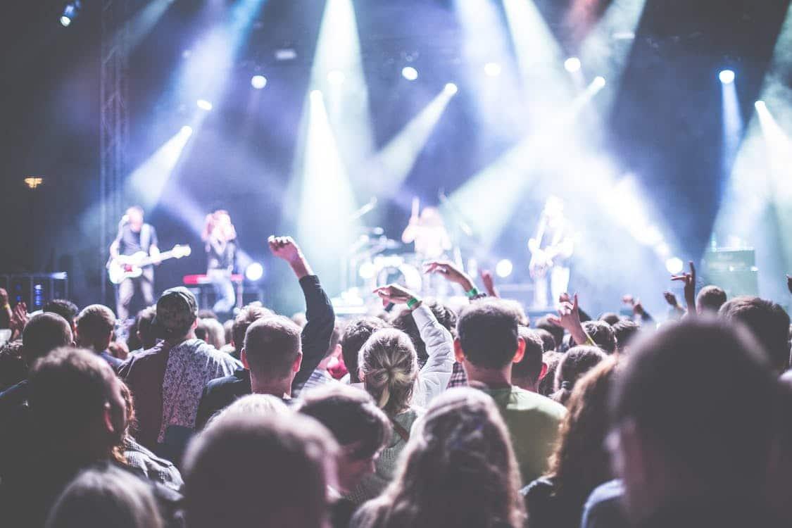 Screenen festivalgangers niet langer toegestaan in België